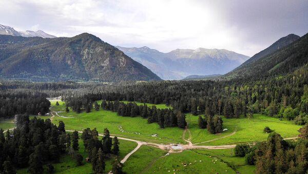 Viaje por el Cáucaso ruso: áreas recónditas del valle de Sofía  - Sputnik Mundo
