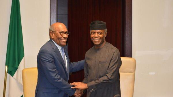 El vicepresidente sectorial de desarrollo Social y Territorial, Aristóbulo Istúriz, y Vicepresidente de la República Federal de Nigeria, Yemi Osinbajo - Sputnik Mundo