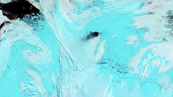 Agujeros en el hielo de la Antártida - Sputnik Mundo