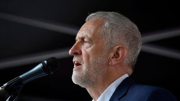 Jeremy Corbyn, líder opositor británico - Sputnik Mundo