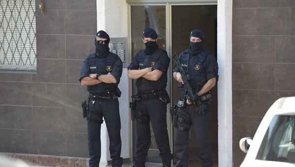 Agentes de Policía en Barcelona, foto de archivo - Sputnik Mundo