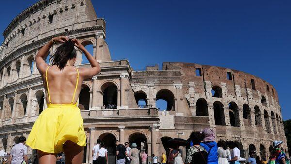 Europa cae 'víctima' de una ola de calor récord  - Sputnik Mundo