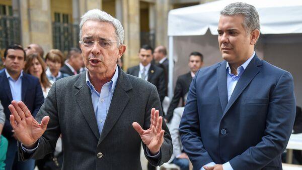 El expresidente de Colombia, Álvaro Uribe, junto al actual mandatario, Iván Duque - Sputnik Mundo