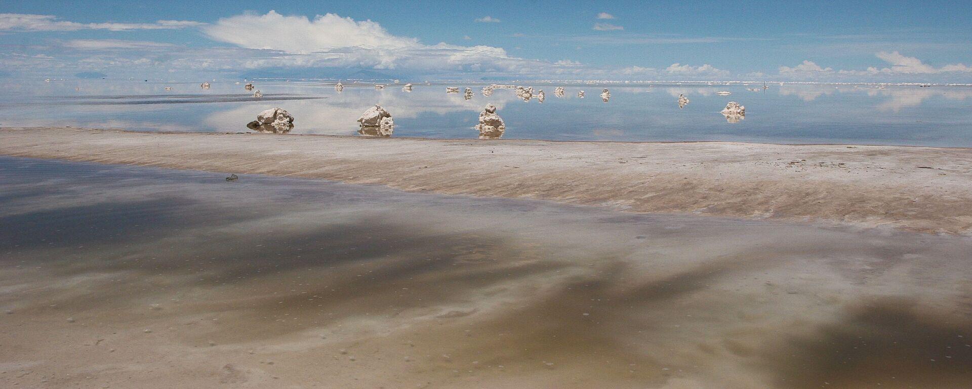 El salar de Uyuni en Bolivia, gran reserva de litio - Sputnik Mundo, 1920, 27.11.2019