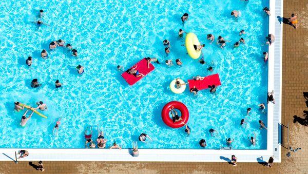 Una piscina (imagen referencial) - Sputnik Mundo