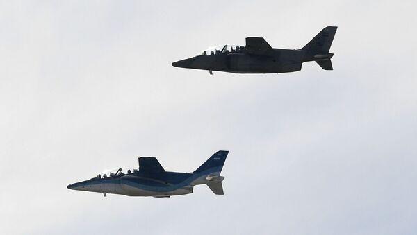 Los aviones de caza argentinos Pampa III - Sputnik Mundo