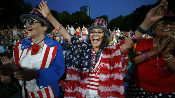 Estadounidenses festejan el Día de la Independencia (archivo) - Sputnik Mundo