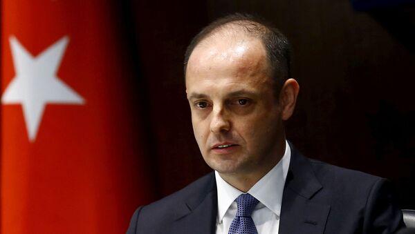 Murat Cetinkaya, gobernador del Banco Central de Turquía - Sputnik Mundo