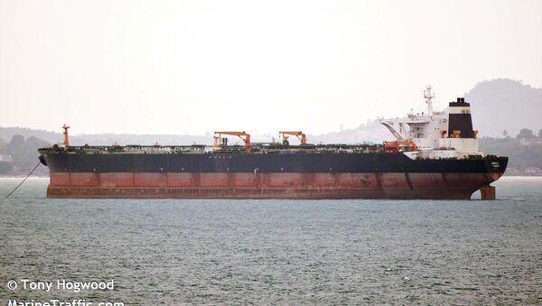 El buque petrolero Grace 1 detenido en Gibraltar - Sputnik Mundo
