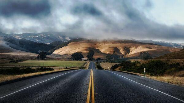 Una carretera (imagen referencial) - Sputnik Mundo