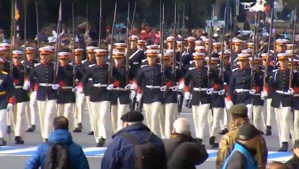 Argentina celebra el Día de la Independencia con un desfile militar - Sputnik Mundo