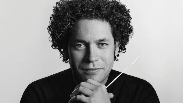 Gustavo Dudamel, director de orquesta venezolano - Sputnik Mundo