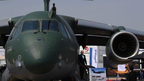 El avión de transporte KC-390 - Sputnik Mundo