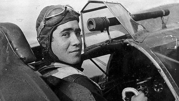 Un aviador de las Fuerzas Aéreas de la República Española (archivo) - Sputnik Mundo