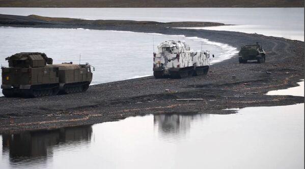 Зенитные ракетные комплексы Тор-М2ДТ на побережье архипелага Новая Земля - Sputnik Mundo