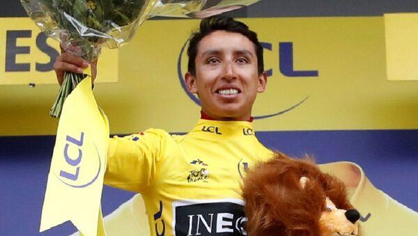 El ciclista colombiano Egan Bernal, luego de ganar la etapa 19 del Tour de France - Sputnik Mundo