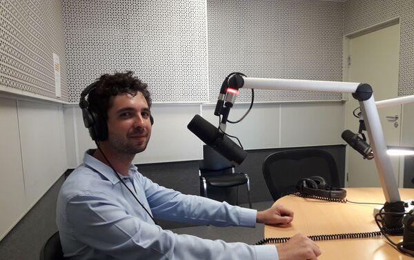 Nicolás Font en los estudios de Radio Sputnik en Moscú - Sputnik Mundo