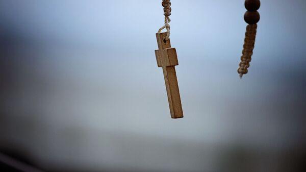 Una cruz católica (imagen referencial) - Sputnik Mundo