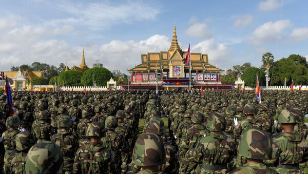 Solados camboyanos en Phnom Penh  - Sputnik Mundo