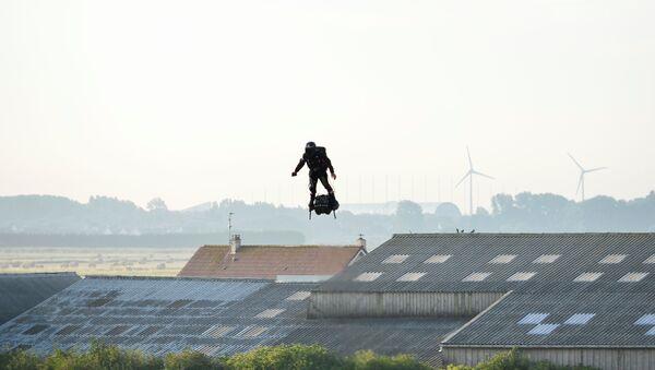 Franky Zapata cruza el canal de la Mancha - Sputnik Mundo