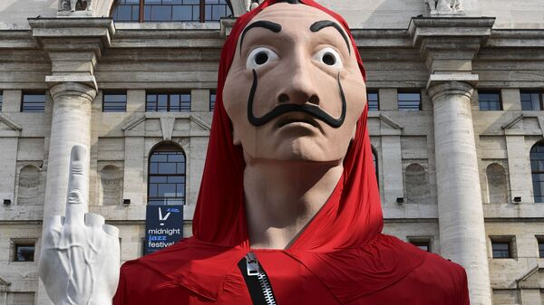 La máscara de Dalí popularizada por la serie 'La casa de papel' - Sputnik Mundo
