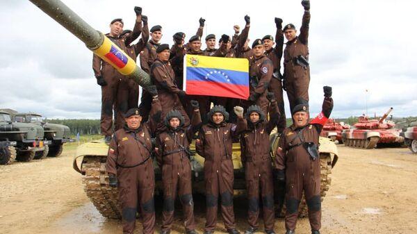 Delegación venezolana participa en el biatlón de tanques en los Juegos Militares Internacionales Army 2019  - Sputnik Mundo