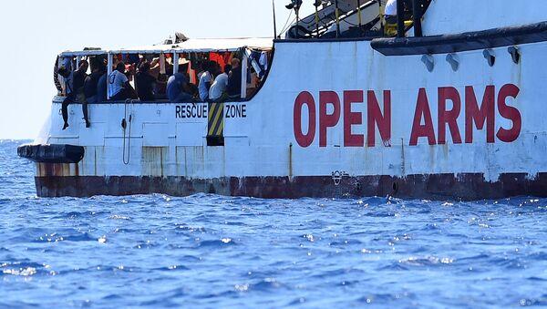 El barco de rescate Open Arms - Sputnik Mundo