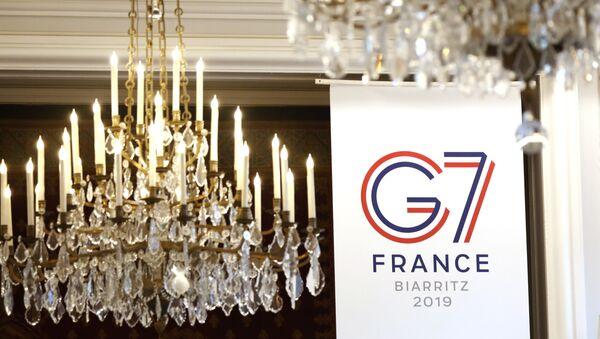 El logo de G7 en Biarritz - Sputnik Mundo