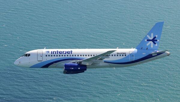 Un SSJ100 de la aerolínea Interjet - Sputnik Mundo