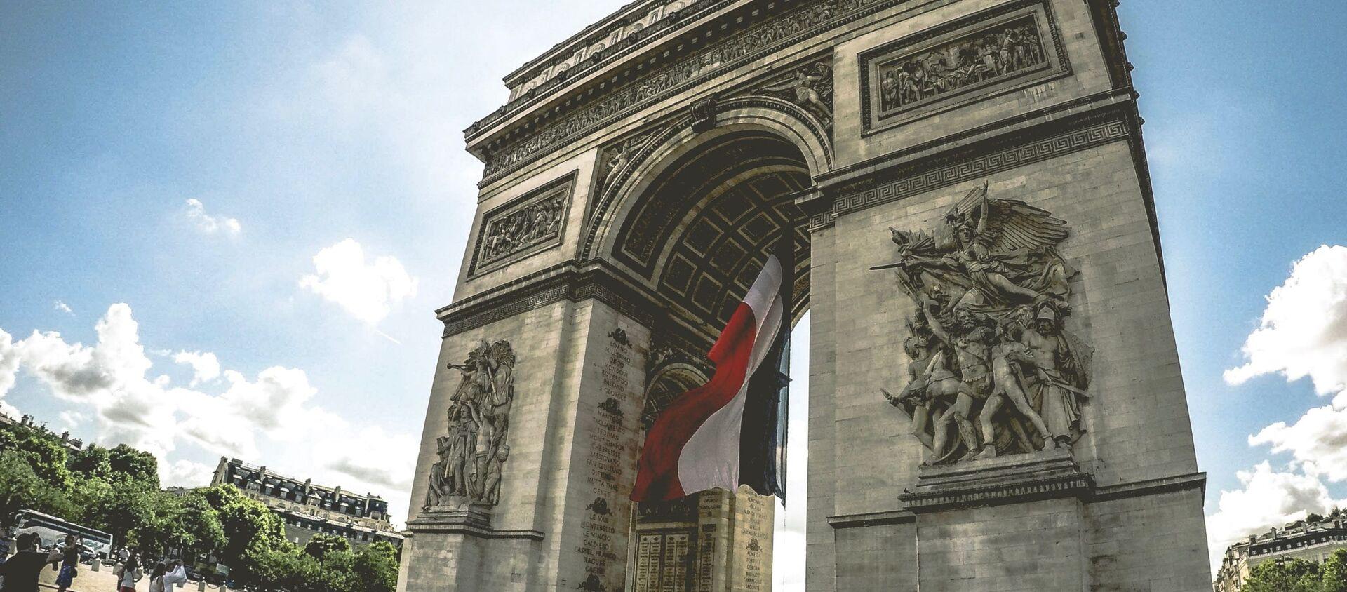 El Arco de Triunfo de París, Francia - Sputnik Mundo, 1920, 24.08.2019