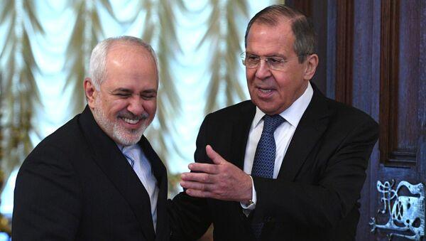 El ministro de Exteriores iraní, Mohamad Yavad Zarif, y su par ruso, Serguéi Lavrov - Sputnik Mundo
