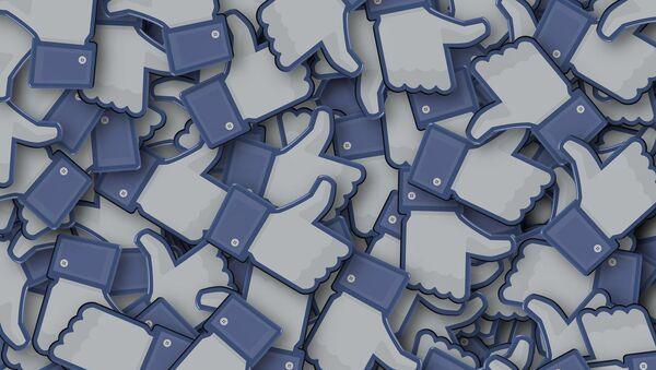 'Me gusta' en Facebook (imagen referencial) - Sputnik Mundo