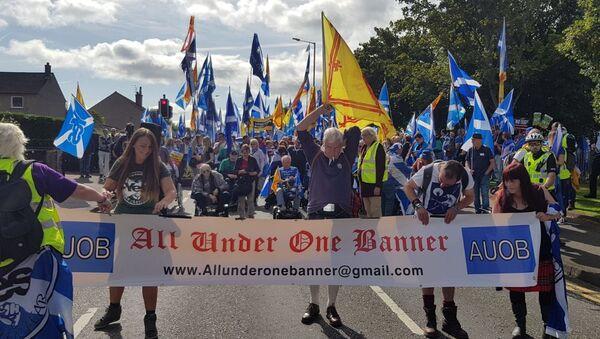 Grupos independentistas escoceses que han organizado marchas en Aye, Aberdeen y Perth - Sputnik Mundo