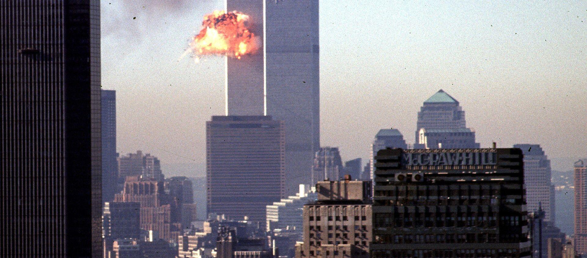 Un avión choca contra las Torres Gemelas de Nueva York el 11 de septiembre de 2001 - Sputnik Mundo, 1920, 11.09.2019