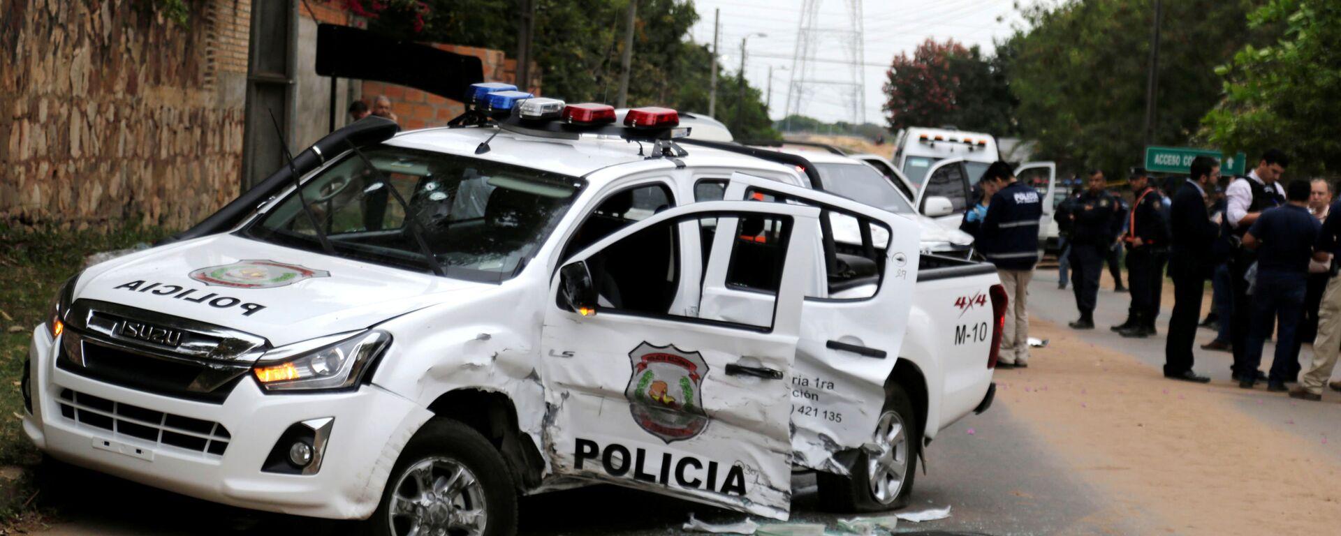 Camioneta policial destrozada tras el ataque de un grupo criminal para liberar al líder narco Teófilo Samudio - Sputnik Mundo, 1920, 12.09.2019