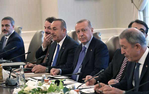 Delegación turca, presidida por el presidente Recep Tayyip Erdogan,  en el encuentro tripartita en Ankara, el 16 de agosto de 2019 - Sputnik Mundo