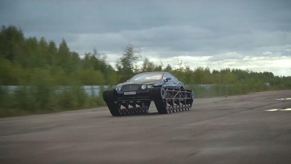 Bentley Continental sobre orugas - Sputnik Mundo