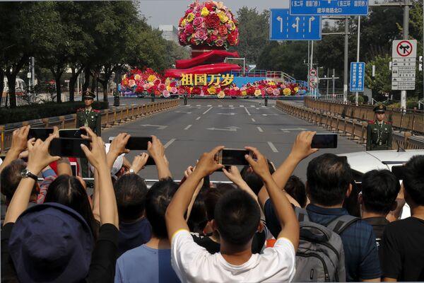 Военный парад в честь 70-летия образования КНР в Пекине - Sputnik Mundo