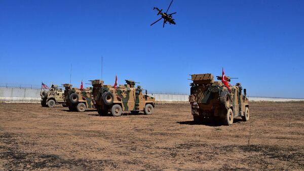 Patrullaje de Turquía y EEUU en Siria - Sputnik Mundo