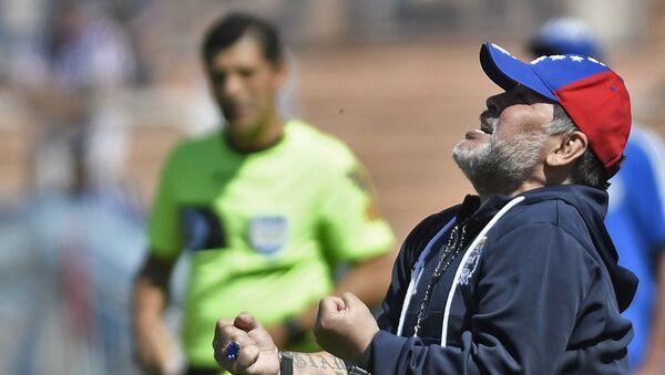 Diego Maradona, ex futbolista argentino y entrenador de Gimnasia y Esgrima La Plata - Sputnik Mundo