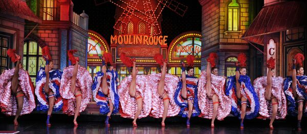 Moulin Rouge 2010 - Sputnik Mundo