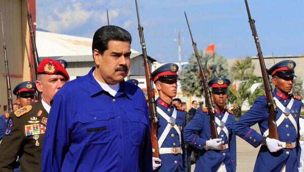 Nicolás Maduro, presidente de Venezuela, en su llegada al aeropuerto internacional Simón Bolívar - Sputnik Mundo