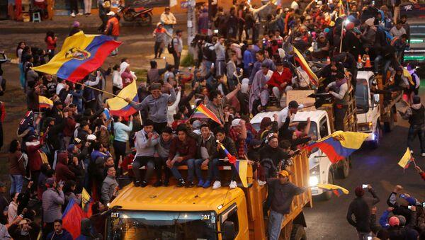Los indígenas de Ecuador durante las protestas - Sputnik Mundo
