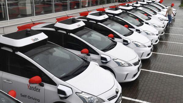 Autos no tripulados de Yandex - Sputnik Mundo
