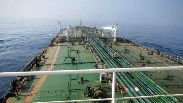 El petrolero Iraní Sabiti en el mar Rojo - Sputnik Mundo