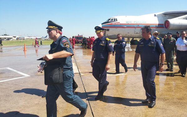 Los tripulantes del avión contraincendios ruso Il-76 en Bolivia - Sputnik Mundo