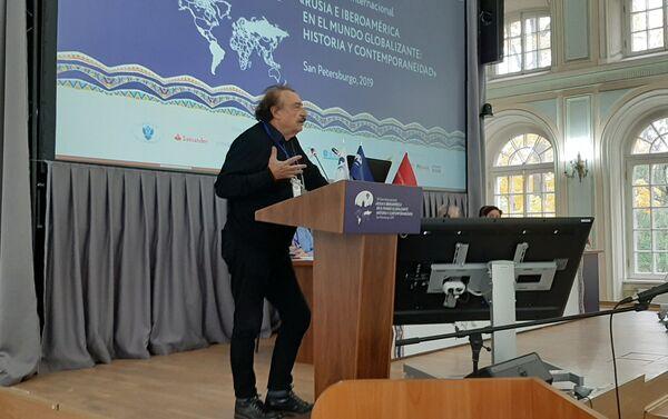 Ignacio Ramonet interviene el en Foro - Sputnik Mundo