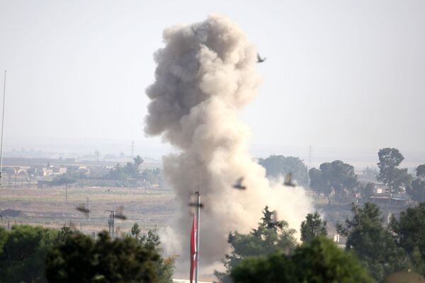 Un bombardeo en Siria (archivo) - Sputnik Mundo