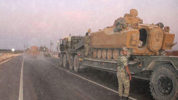 Técnica militar turca en la frontera con Siria - Sputnik Mundo