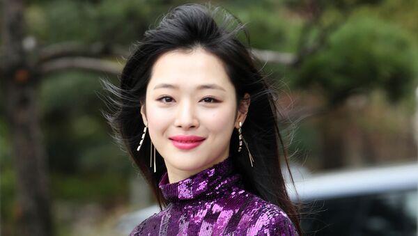 Sulli, cantante surcoreana - Sputnik Mundo